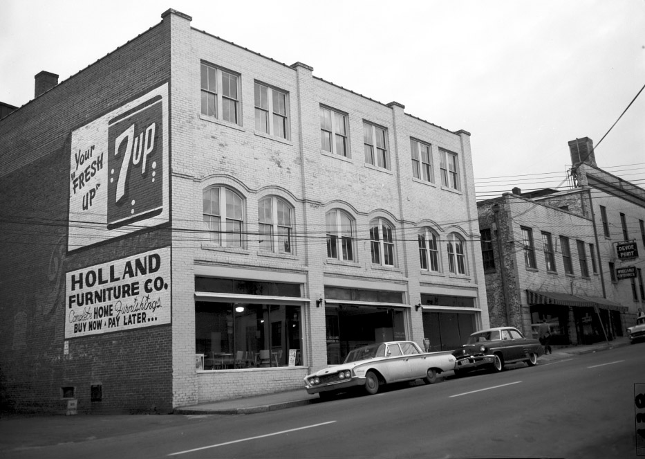 HOLLAND FURNITURE CO.